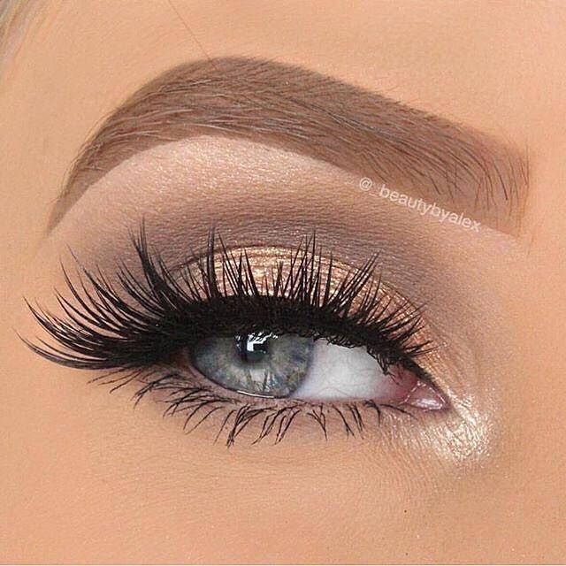 Make-up on fleek by @_beautybyalex #WeAreWomen #eyes ...