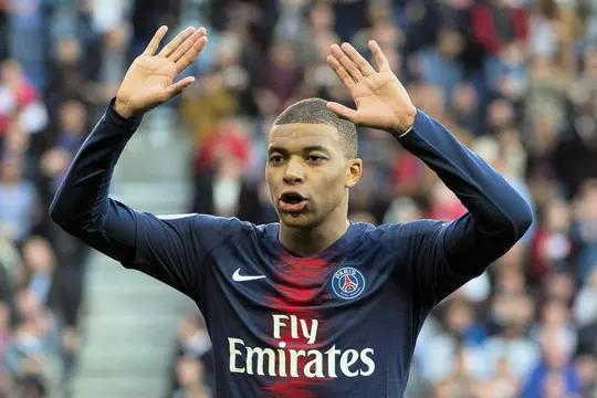 Épinglé sur Paris Saint Germain FC