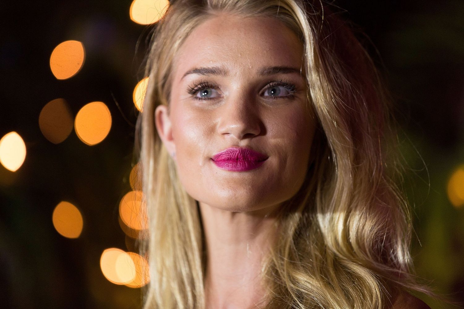 We Need to Pause and Appreciate the Spectacular Lipstick Moment Rosie Huntington-Whiteley Just Had