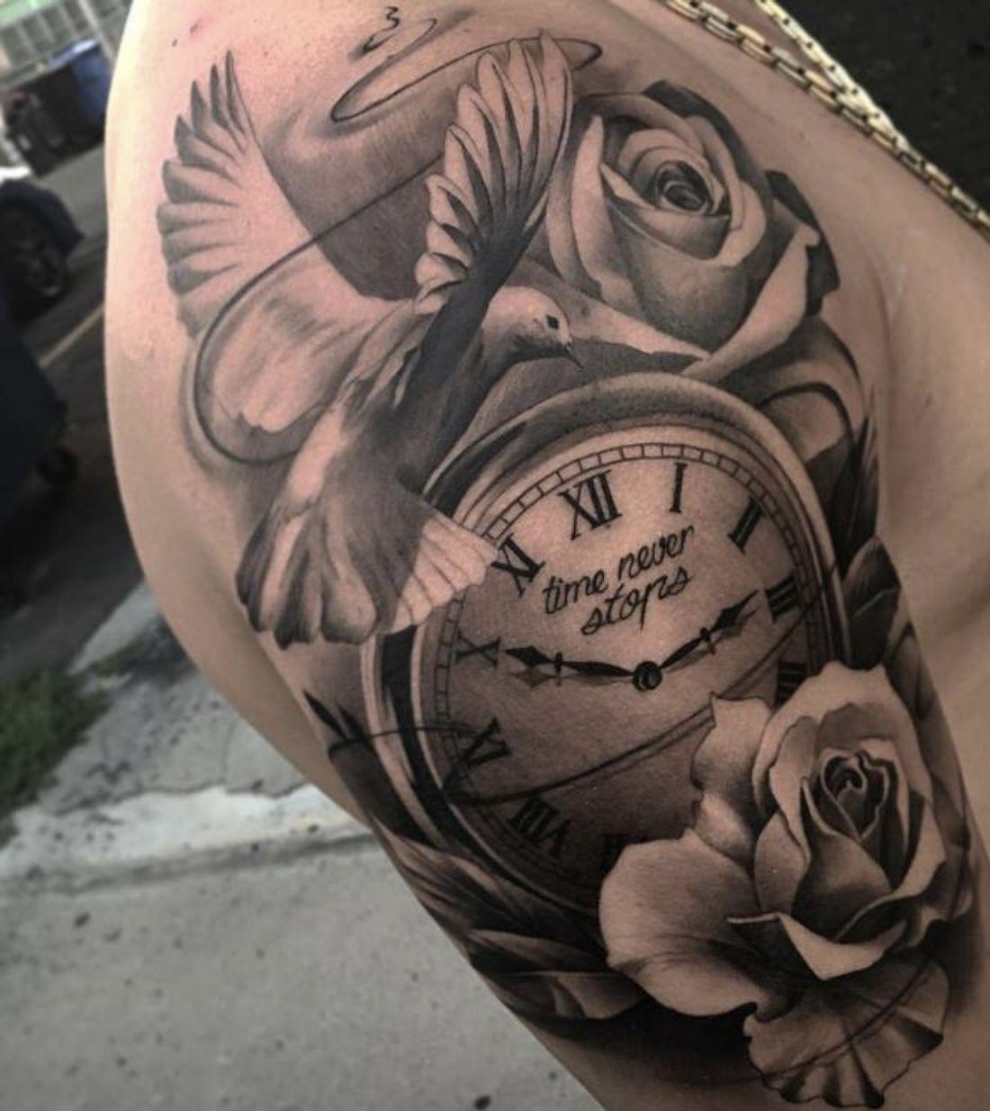 Tatouage Bras Femme Horloge Rose
