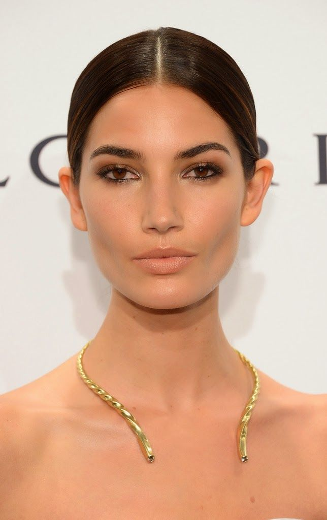 Lily Aldridge at 2014 amfAR NY Gala | Everything about this look is so minimal, from the hair and makeup to the jewelry, and it looks exceptionally stunning. #lilyaldridge