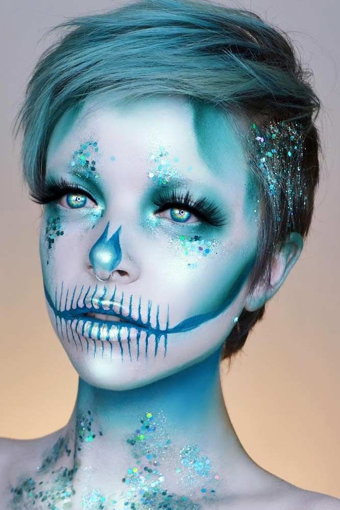 Blue Pixie For Any Halloween Makeup Halloweenhairstyles Shorthair Hairstyles Pixiehairstyles Choosing Ha Short Hair Styles Halloween Hair Short Blue Hair