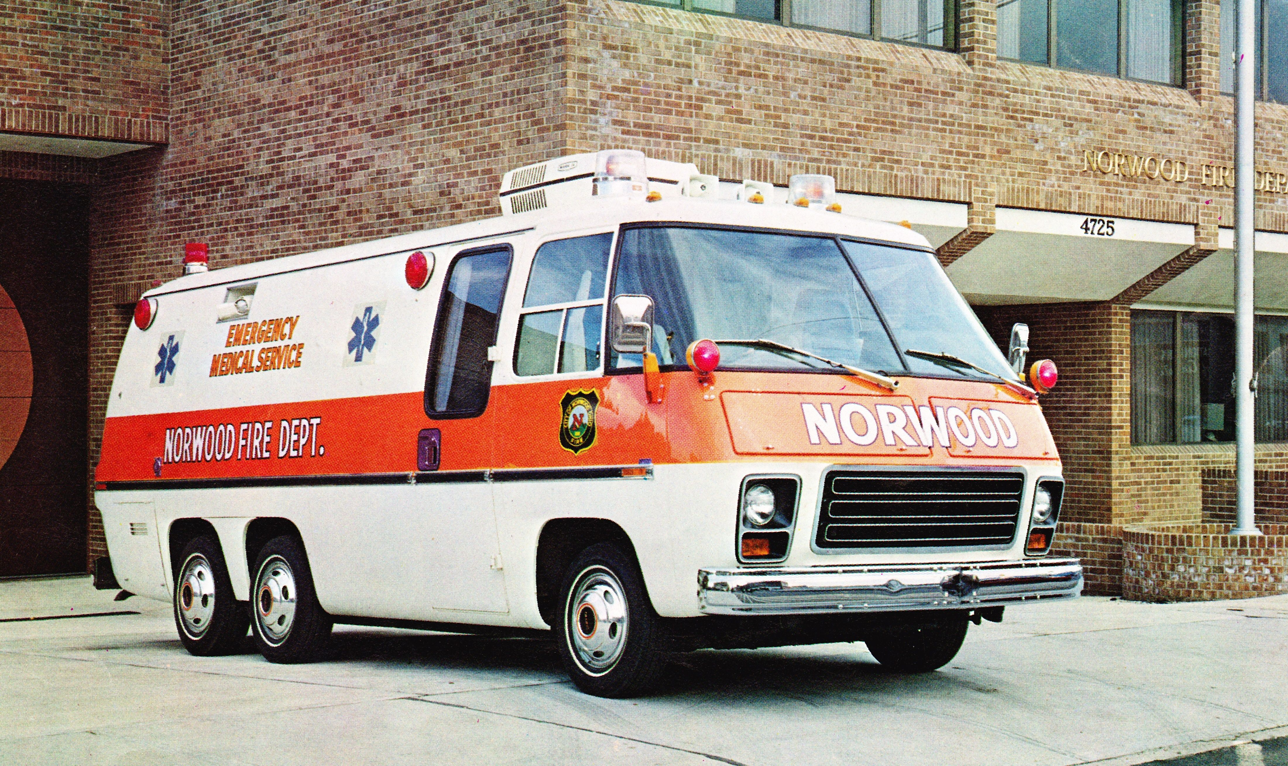 Emergency Vehicle Equipment Wikipedia The Free Encyclopedia Emergency Vehicles Rescue Vehicles Vehicles