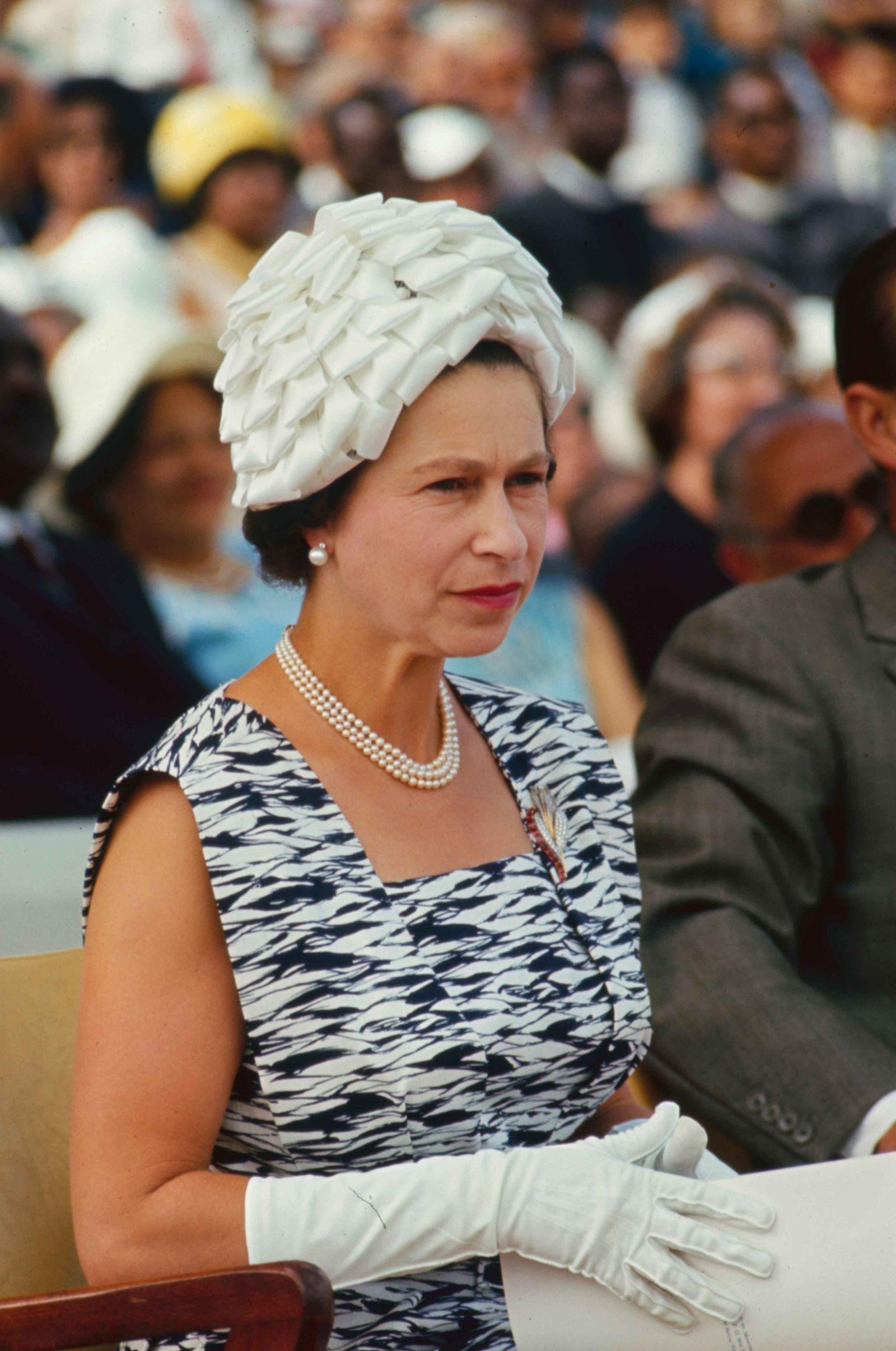 Queen Elizabeth's Life in Pictures Queen elizabeth