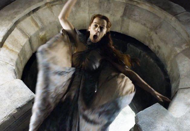 Littlefinger Pushes Lysa Arryn In The Moon Door Got Game Of