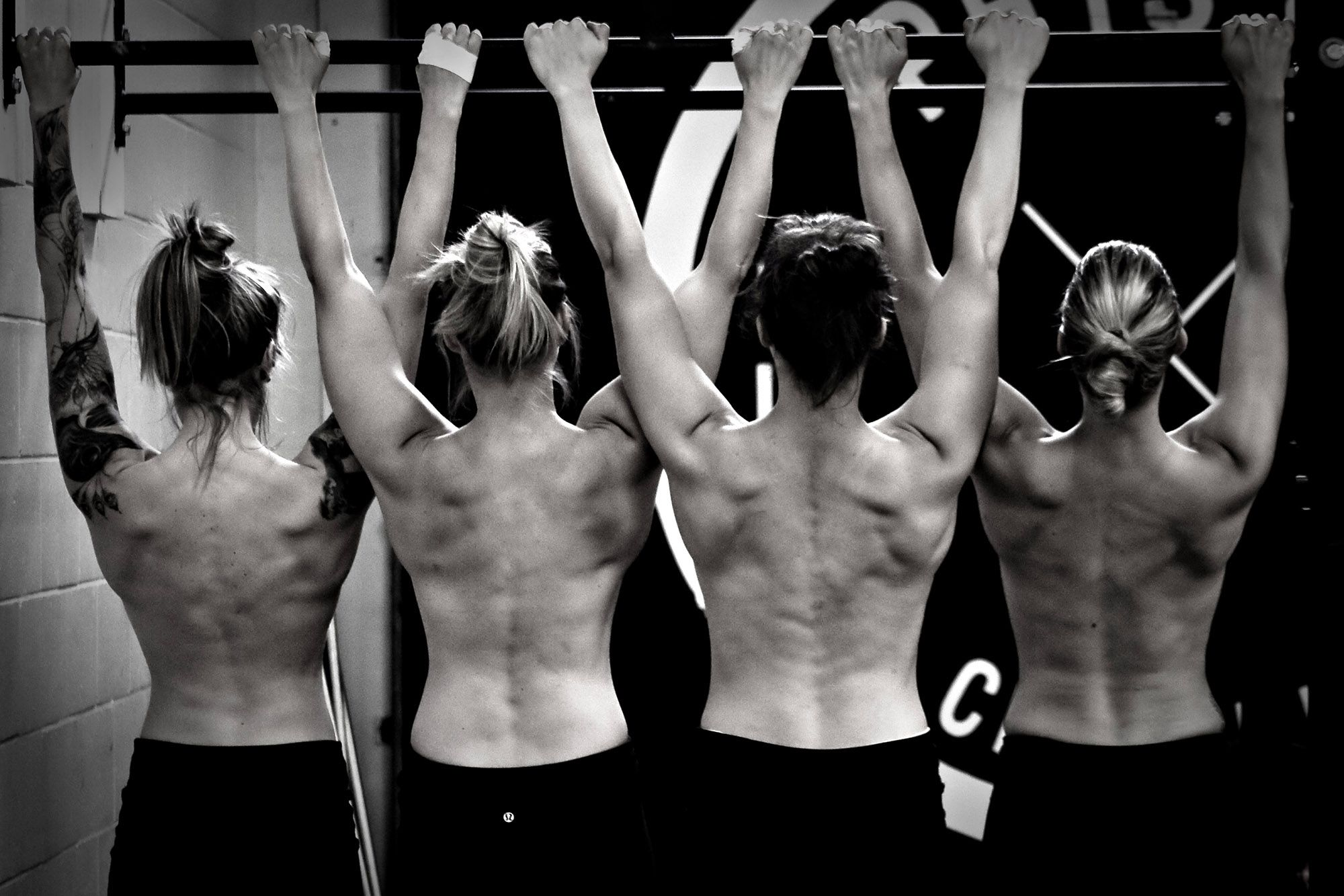 CrossFit Women - I love this photo!