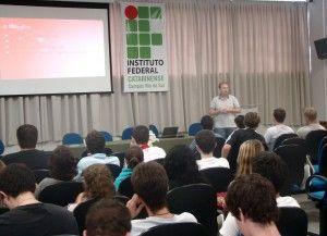 Daniel Germano Scheidt palestrou no IFC em nome da empresa Delsoft Sistemas, ele falou sobre mercado de trabalho e o que as empresas de TI procuram nos profissionais.    Delsoft Sistemas - Tecnologia sem limites