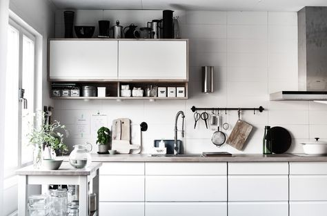 Tenere in vista gli utensili della cucina è un modo per sfruttare le ...