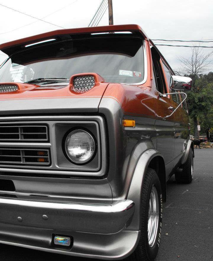 Custom ford van vannin furgoneta camionetas autos for Ford cargo van interior panels