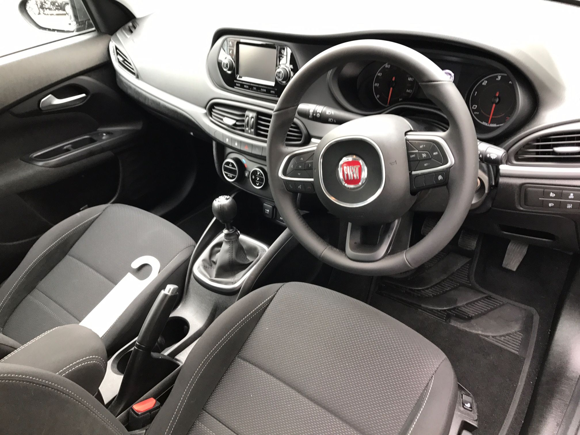 new hello say official to revealed facelift look pictures of the pics leasing car s first fiat news