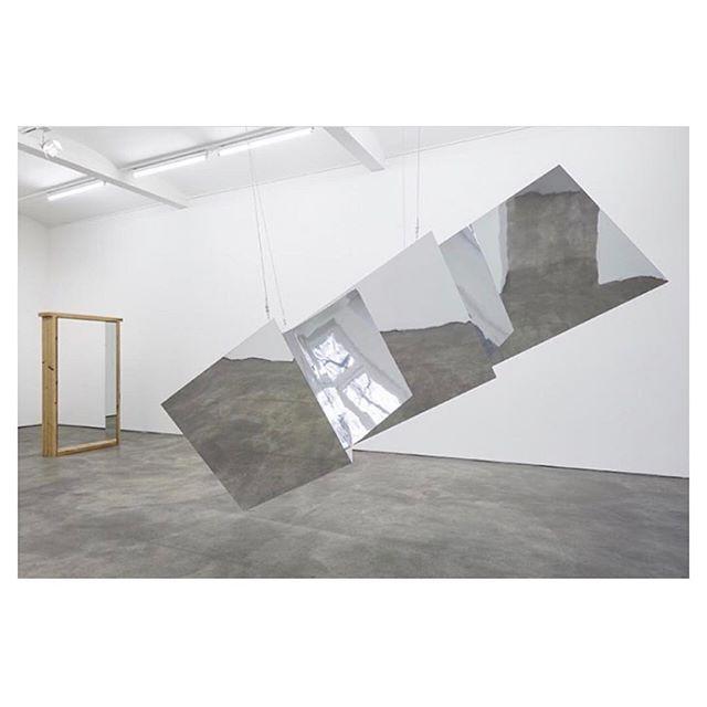Robert morris minimalzine art robertmorris minimal for Minimal art journal