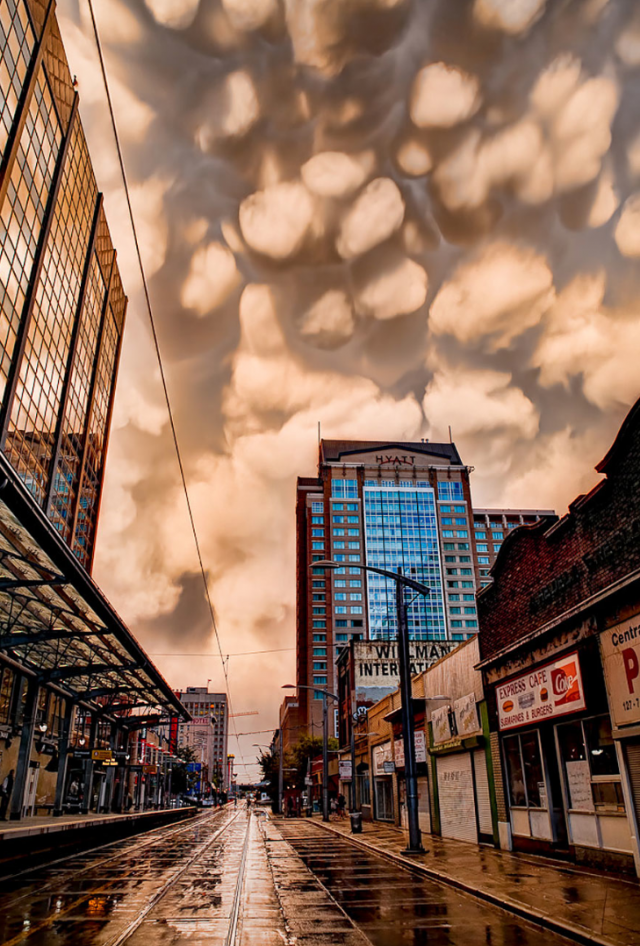 10 Incredible Cloud Formations