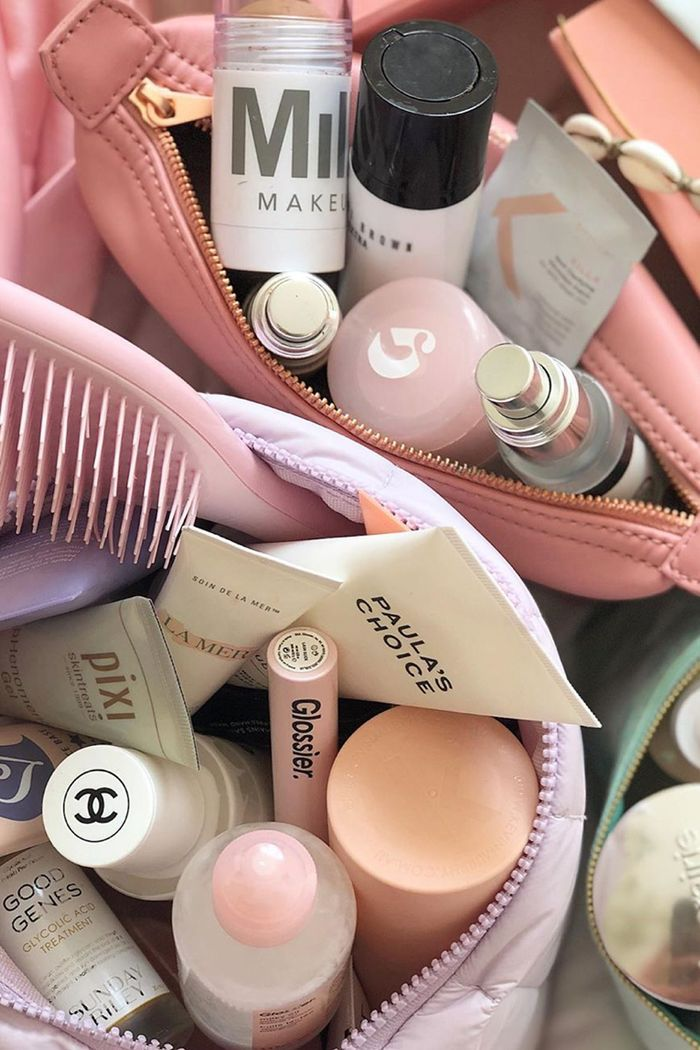 How To Organise Beauty Products: Makeup bags with products