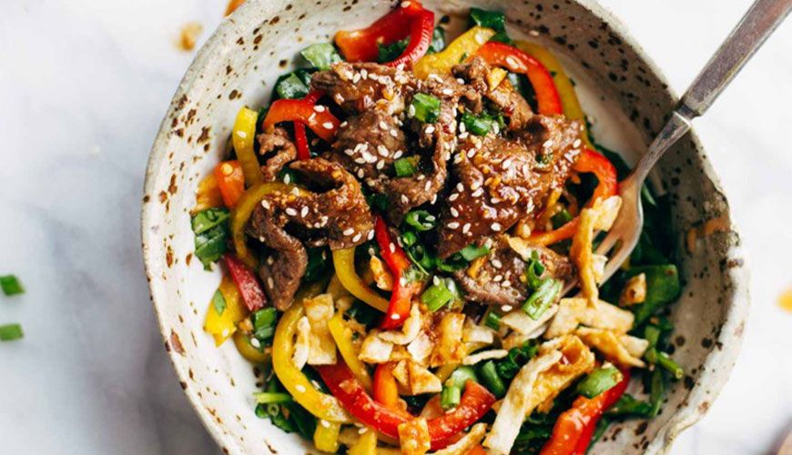 7 Low-Carb Dinners That Take Less Than 30 Minutes To Make | Cutting carbs doesn't have to be so complicated.