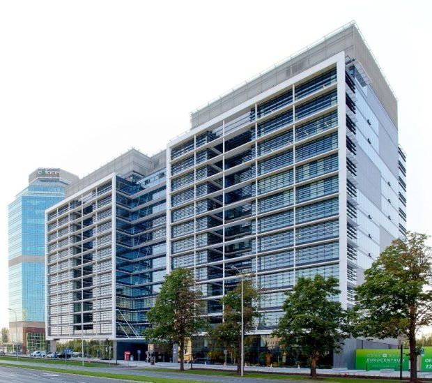 z17195681Q,Kompleks-biurowy-Eurocentrum-w-Warszawie.jpg 620×549 piksel