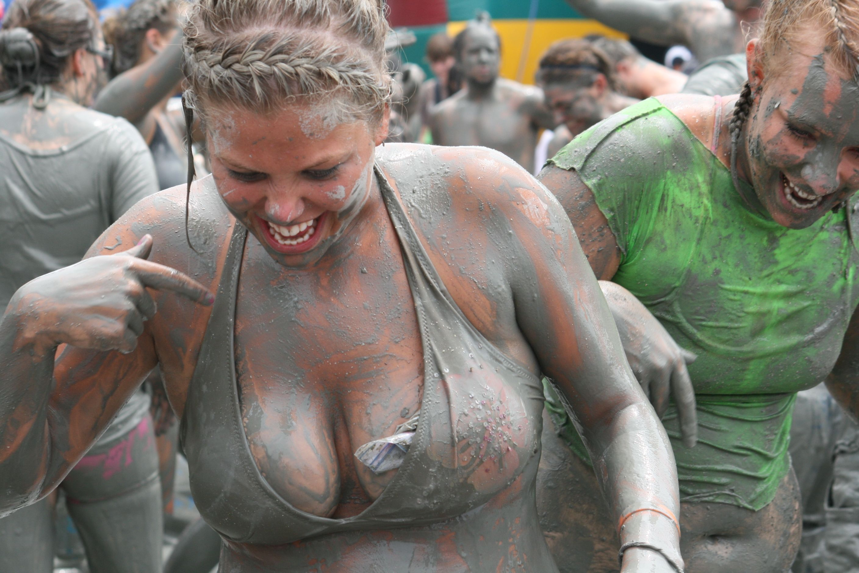 mud run Nude