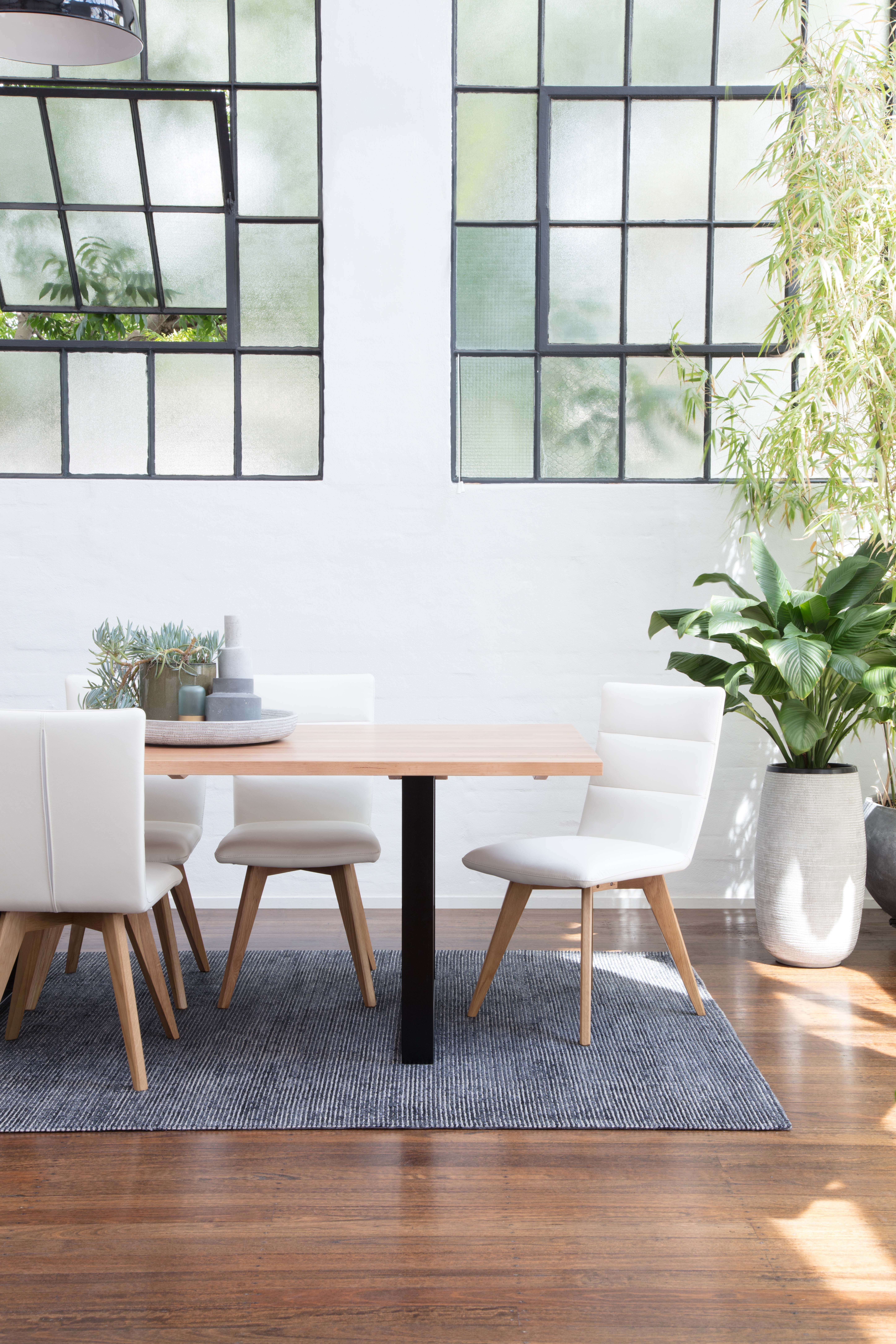 Dining Table With Valerie Chair