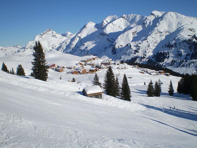 Photo from Lech: Lech Downhill, taken at  6:41 pm  9 Dec 2007 by Javier