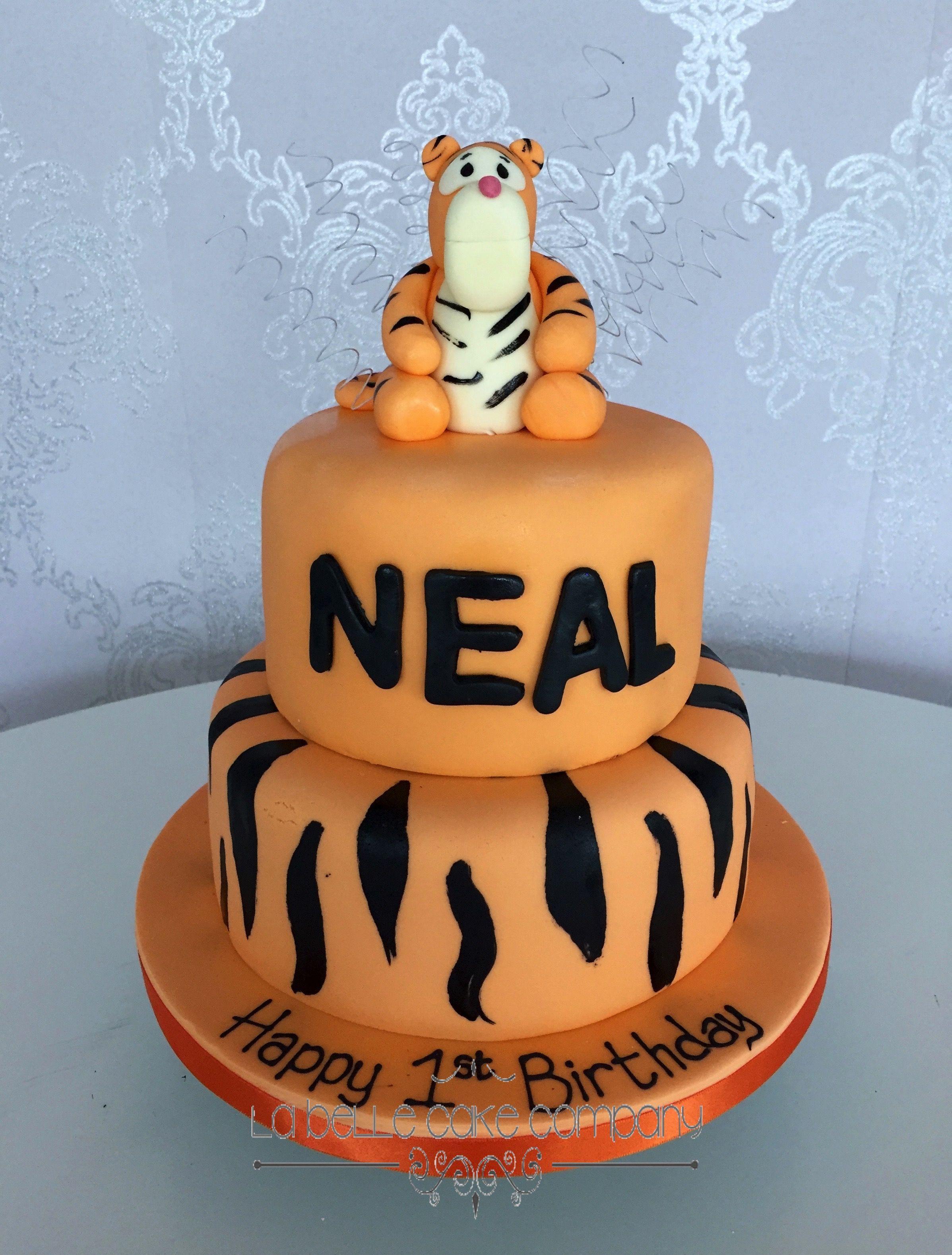 Birthday Cakes Bedfordshire Belle cake, Birthday cake