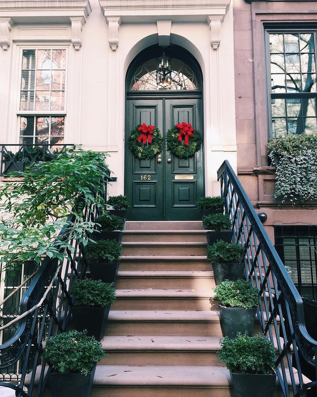 City sidewalk busy sidewalks. Dressed in holiday style. ❤ Manhattan Upper & City sidewalk busy sidewalks. Dressed in holiday style ...