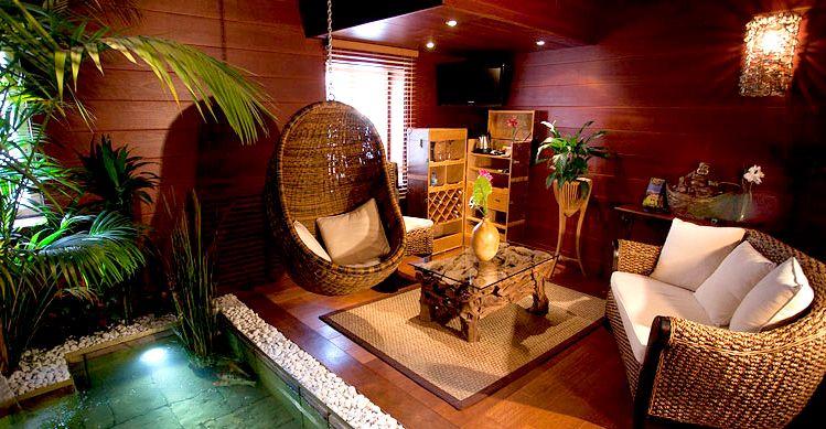 Suite Romantique Avec Jacuzzi Clos Des Vignes Indonesienne Jacuzzi Hotel Design Deco