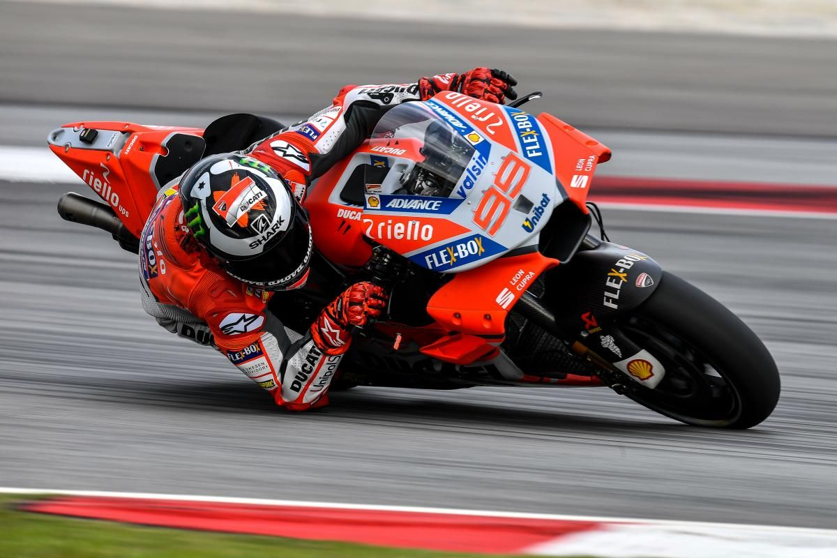 Lorenzo below lap record pace to dominate Day 3 Car