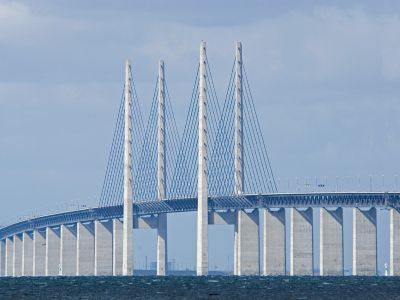 The end of mass Malmö migration? / Linn Lemhag @cphpost | Since its opening in 2000, most of the migration traffic on the Øresund Bridge has been one-way; now the trend seems to be reversing / photo : Colourbox | #scania