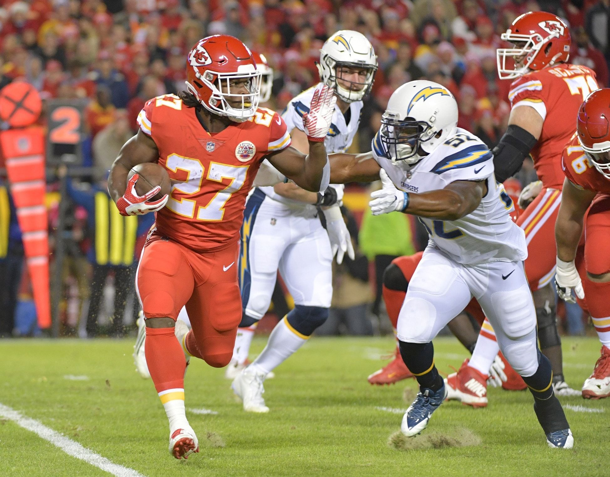Former Kansas City Chiefs Running Back Kareem Hunt Is Going To Get His Second Chance And That Might Kansas City Chiefs Chiefs Game Kansas City Chiefs Football