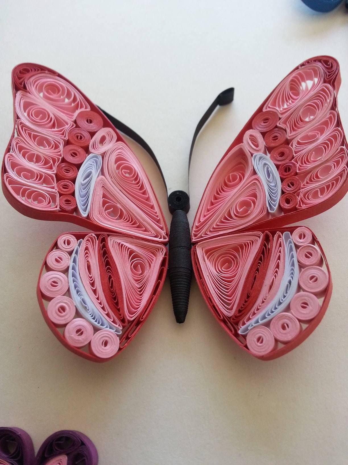 pingl par branka mileti sur quilled butterflys pinterest papier papillon et paperolles. Black Bedroom Furniture Sets. Home Design Ideas