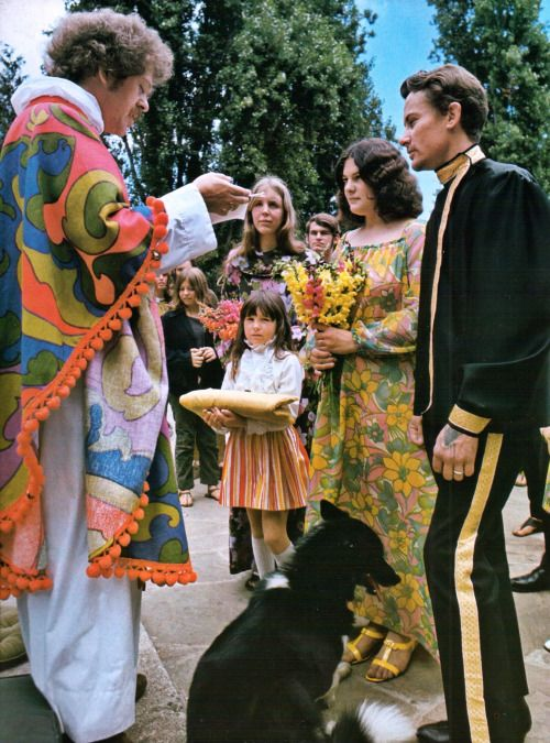The Swinging Sixties Wedding San Francisco Hippie Wedding Hippie Outfits