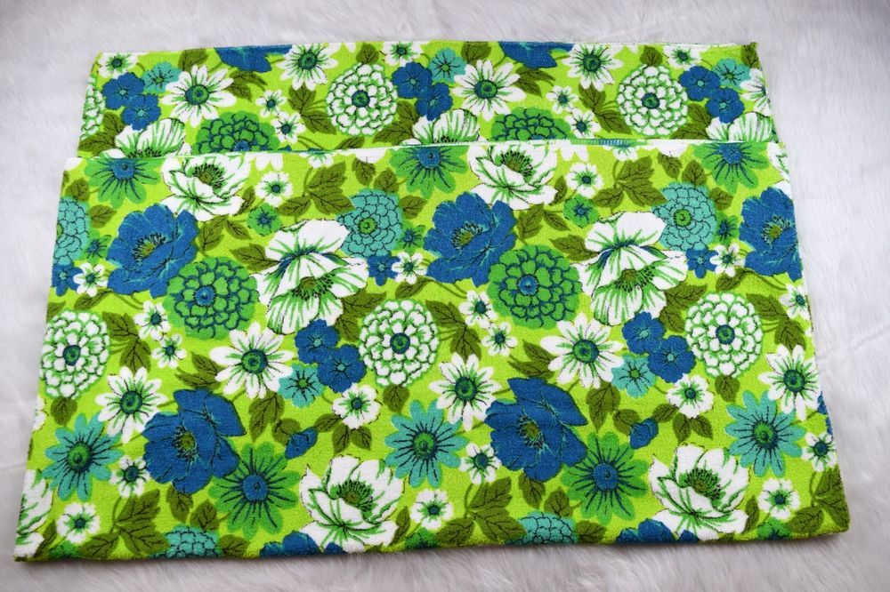 Vintage Rectangle Terry Cloth Tablecloth Bright Green Blue Flowers