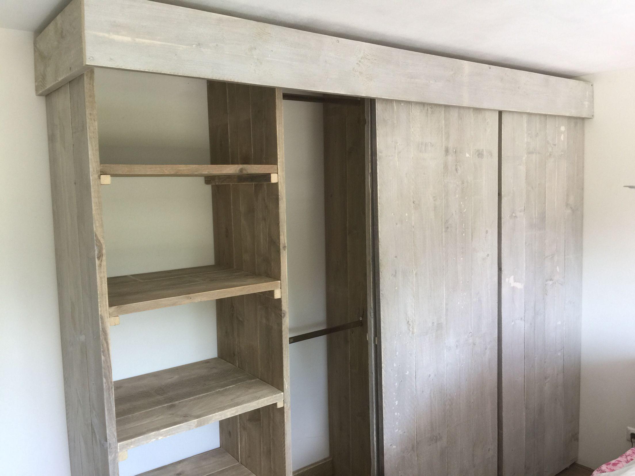 Kast Met Schuifdeuren : Kledingkast steigerhout schuifdeuren kamertje in