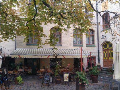 Wrocław [cz.2]- Trzonolinowiec, Renoma i czerwona pufa