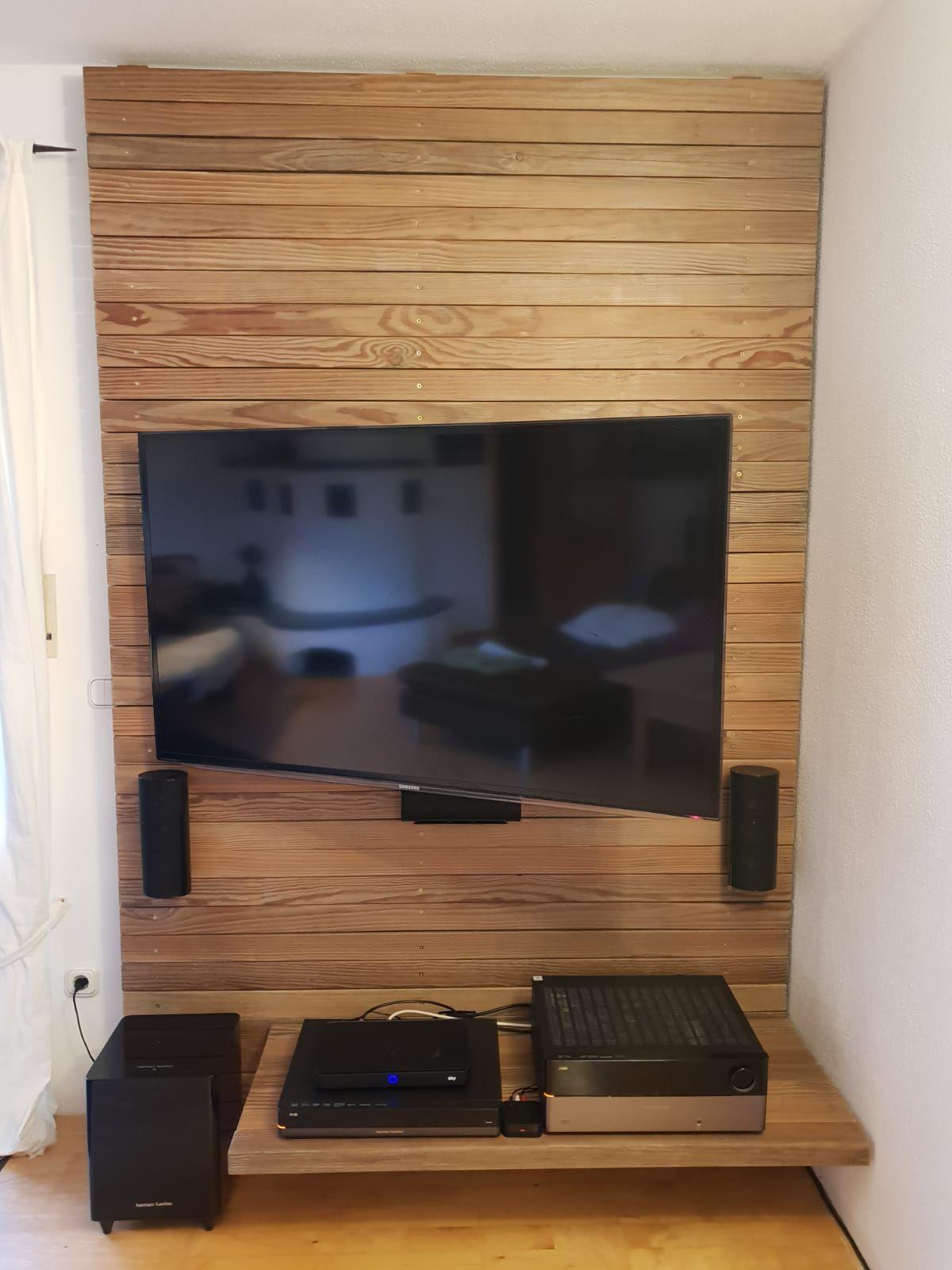 Tv Wand Fernsehwand Holzverkleidung Aus Altholz Fernsehwand Tv Wand Tv Wand Ideen