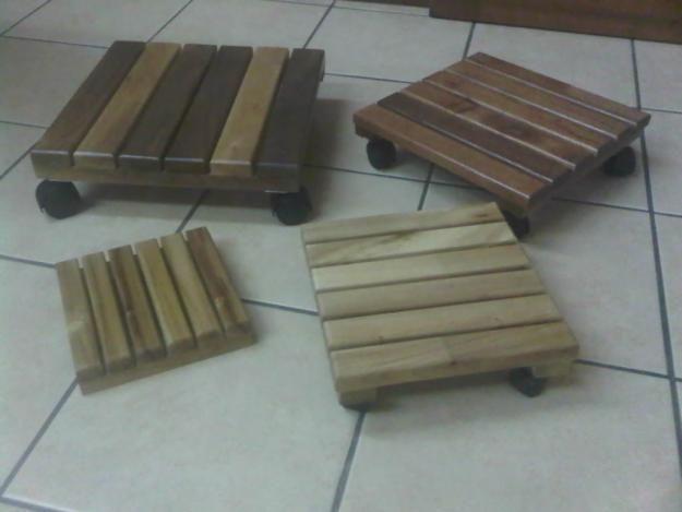 1324060779_291842895_3-macetas-de-madera-y-bases-para-maceta