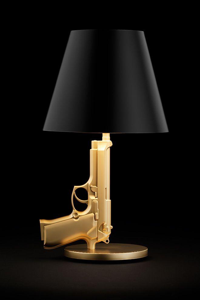 lampe pistolet bedside gun lampes d co int rieure et luminaires. Black Bedroom Furniture Sets. Home Design Ideas