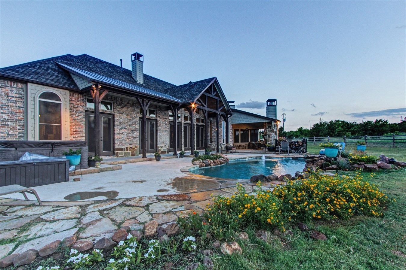 Exceptional Home In The Country 1599 N Lincoln Park Rd