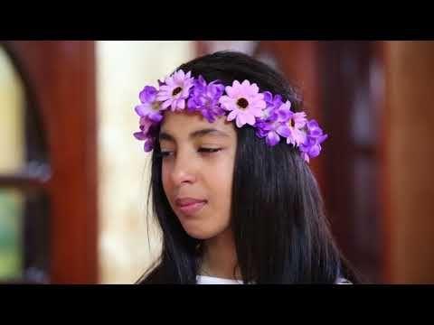 قناة اطفال ومواهب الفضائية كليب فرحنا ياعيد خديجة القادري Youtube Crown Jewelry Drawings Crown