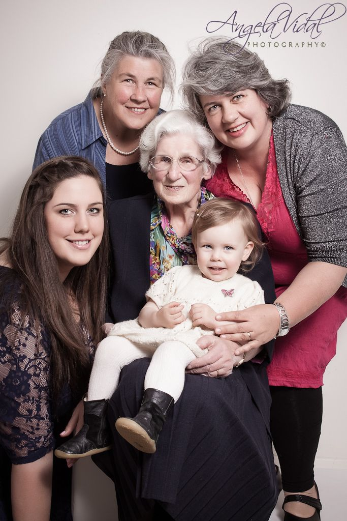 5 Generations - Angela Vidal Photography Great picture ideas
