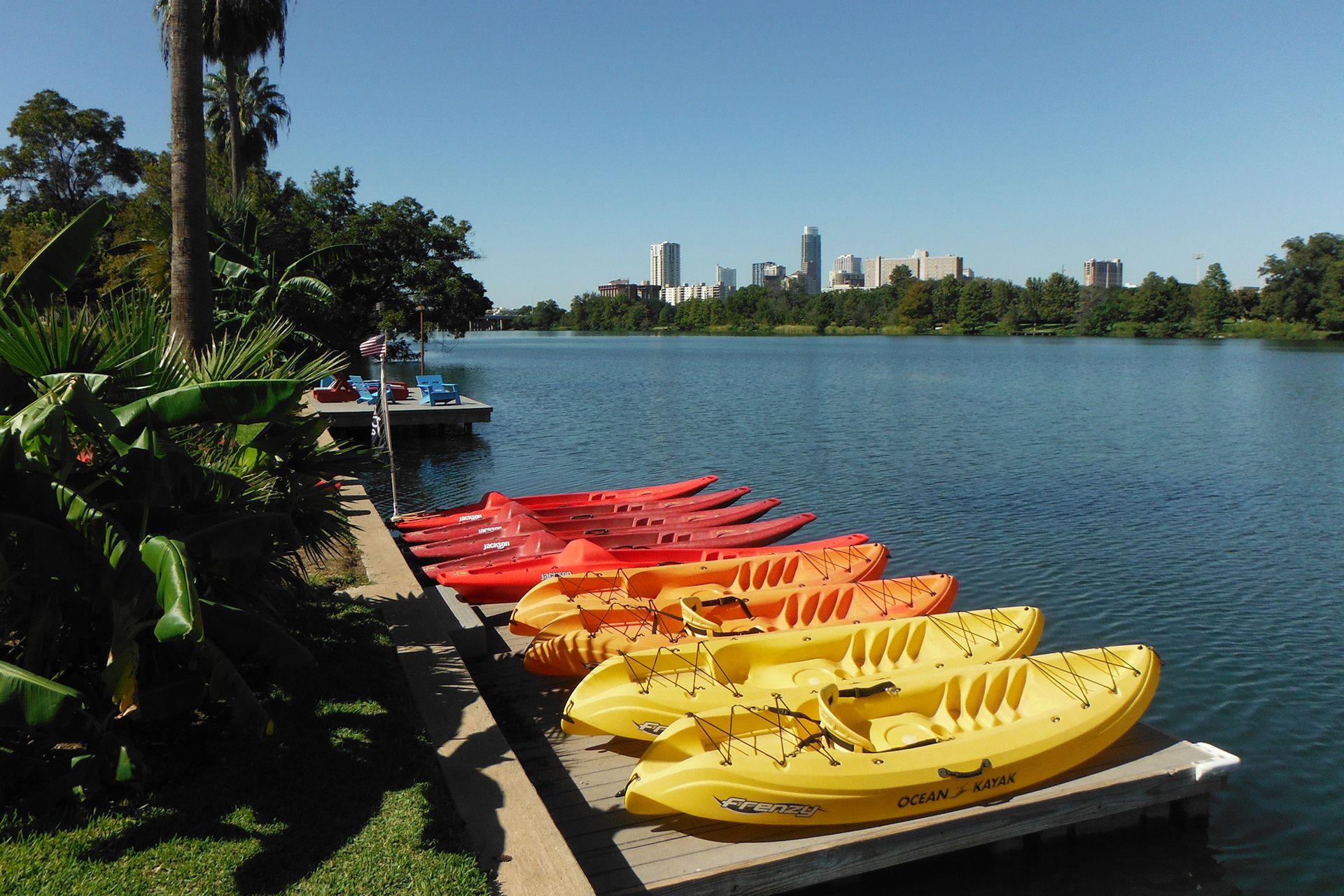 Austin kayak and paddleboard rentals on lady bird lake