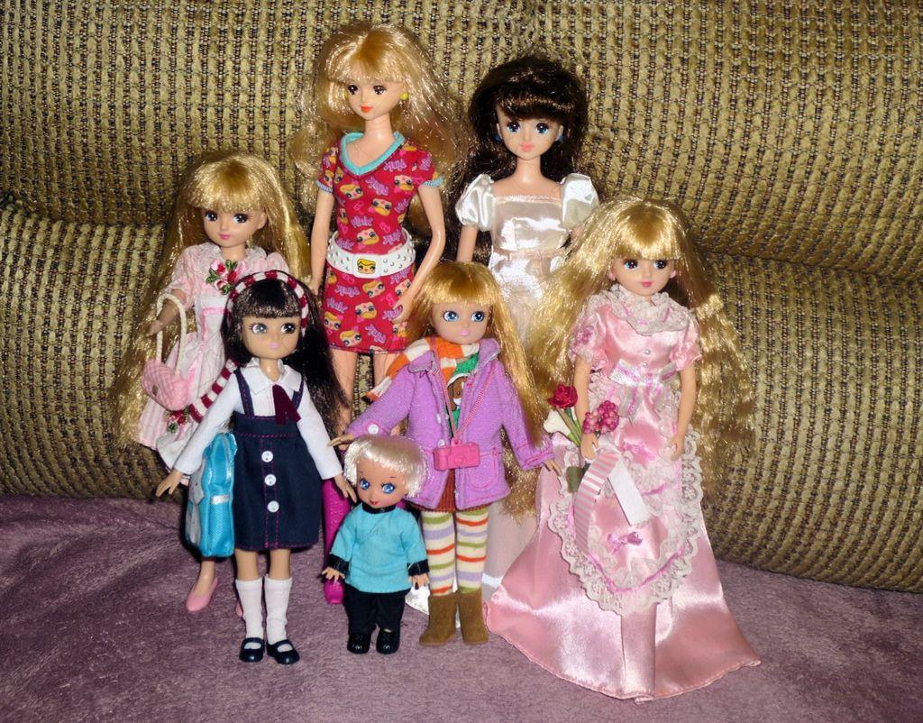 Jenny, Licca, Lottie and a little boy