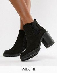 c45a631cf4ed Boohoo wide fit chunky heel Chelsea boot in black