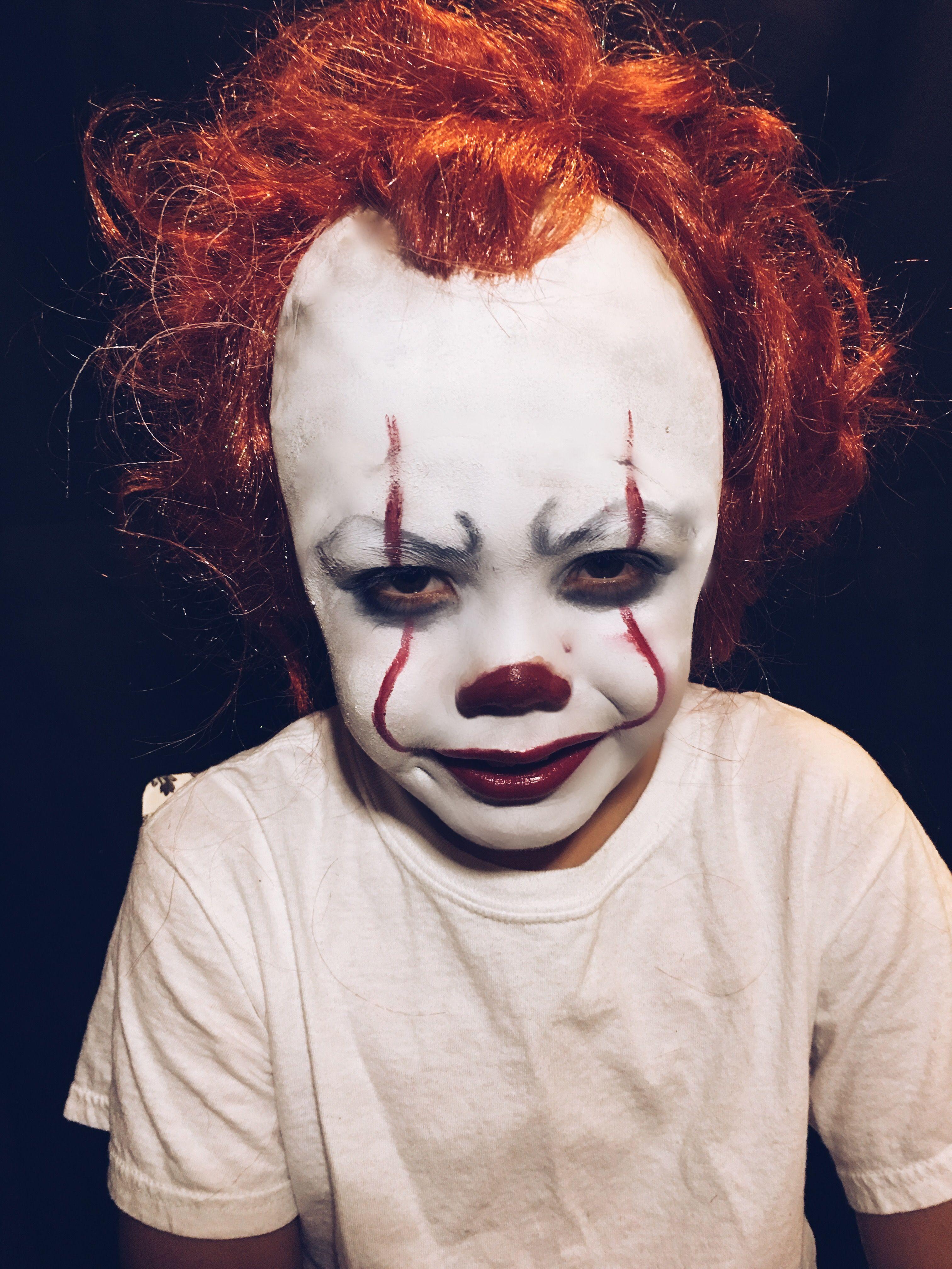 Pennywise The Clown Kids Halloween Makeup Scary Kids Halloween Costumes Clown Halloween Costumes Cool Halloween Makeup