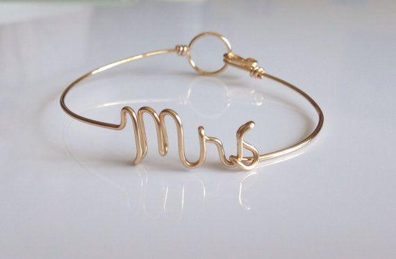 Dainty Mrs bracelet. Future Mrs by IsleOfAgape on Etsy, $20.00