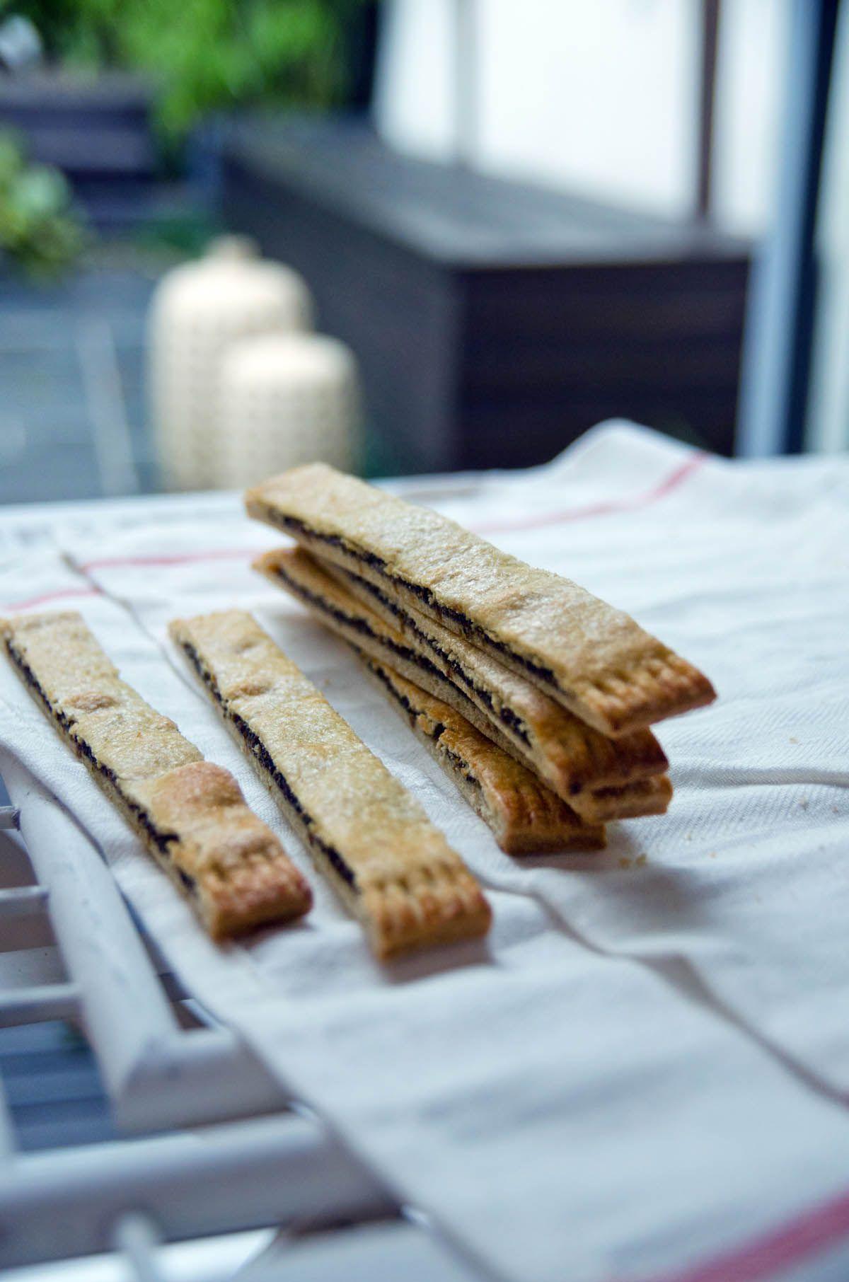 Prstici S Makom I Smokvama Fig Poppy Seed Fingers Heneedsfood Croation Recipes Sweet Cookies Sweet Treats Recipes