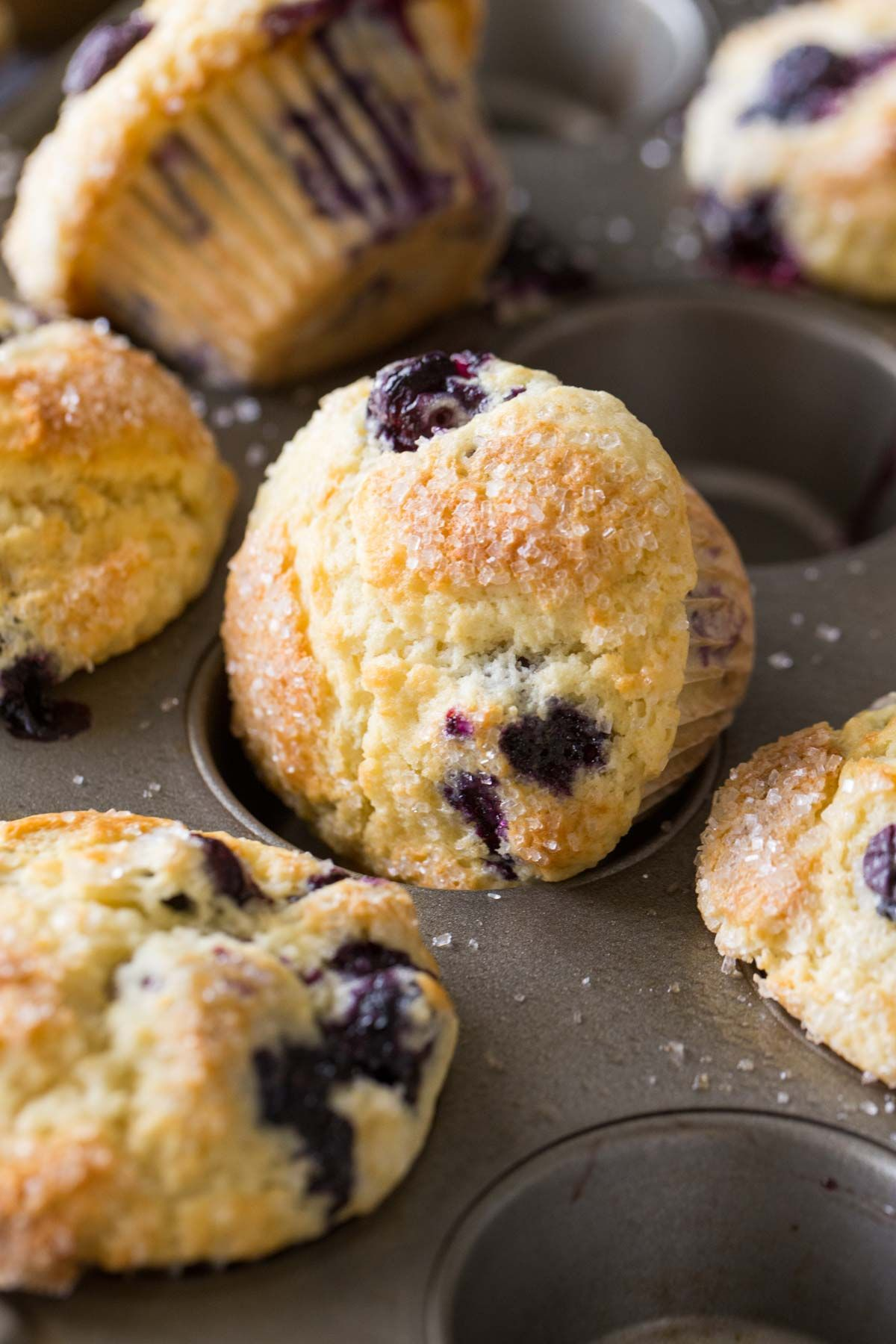 These Best Ever Buttermilk Blueberry Muffins Have It All Sweet Juicy Blueberries A Sparkli Buttermilk Blueberry Muffins Blue Berry Muffins Buttermilk Recipes
