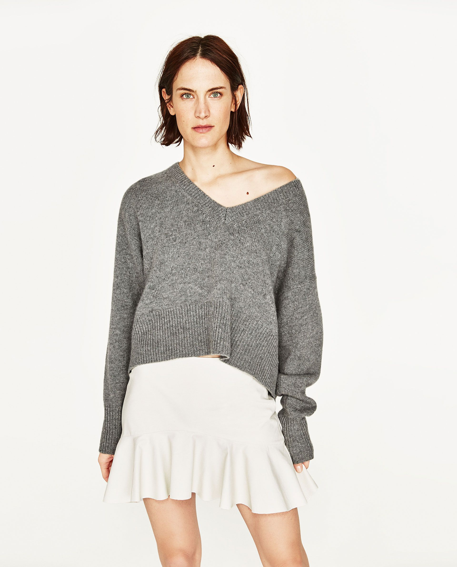 ca357ba404d4 ZARA WHITE FAUX LEATHER MINI SKIRT AND GREY CASHMERE SWEATER Zara Whites,  New Look Fashion
