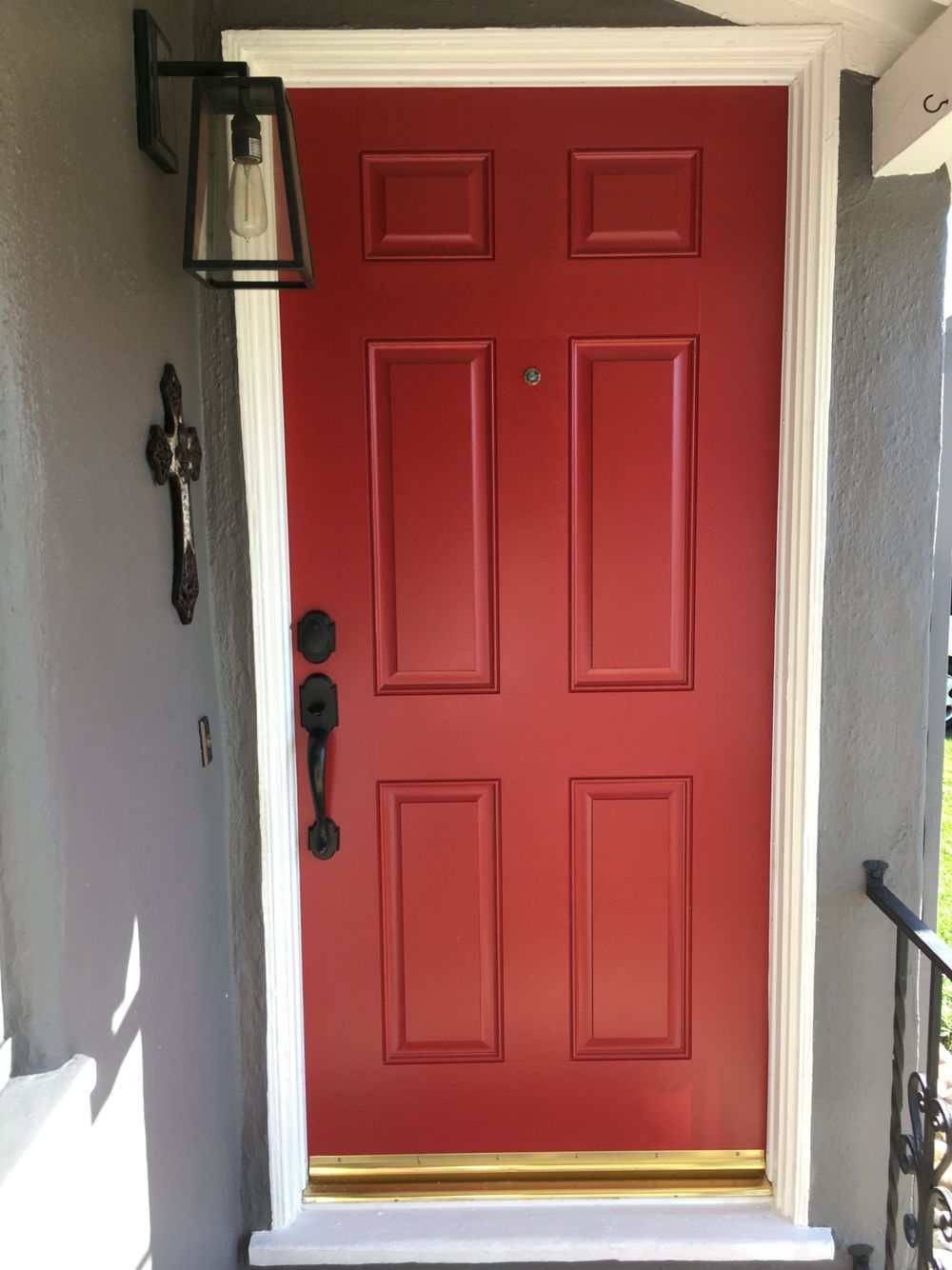 My Red Door Exterior Benjamin Moore Caliente Af 290 Hot Pionate And Y This Is One Of Our Most Beloved Reds With A Hint Orange