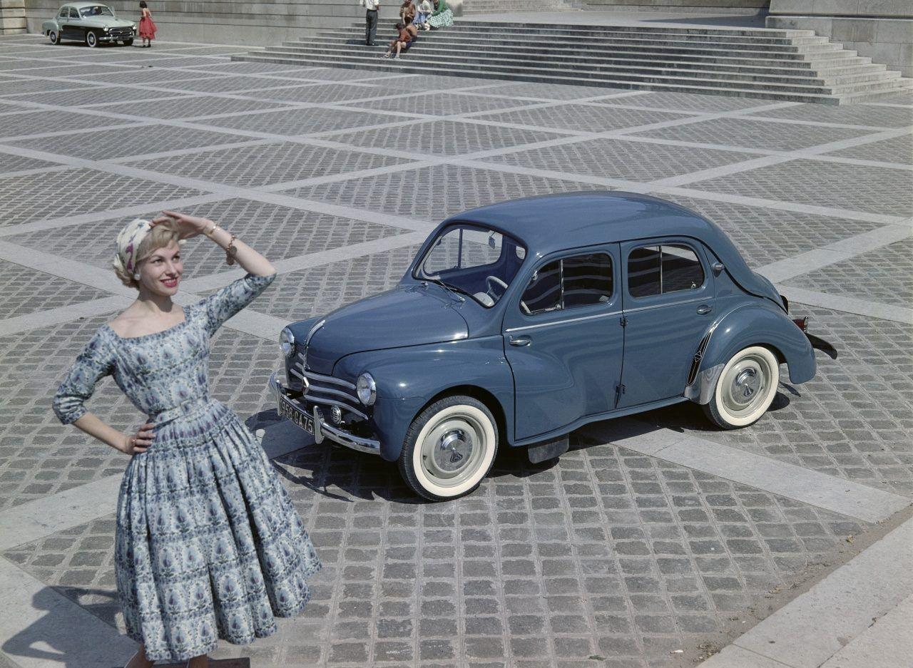 Publiée par Renault classic à l'occasion des 70 ans de la 4cv