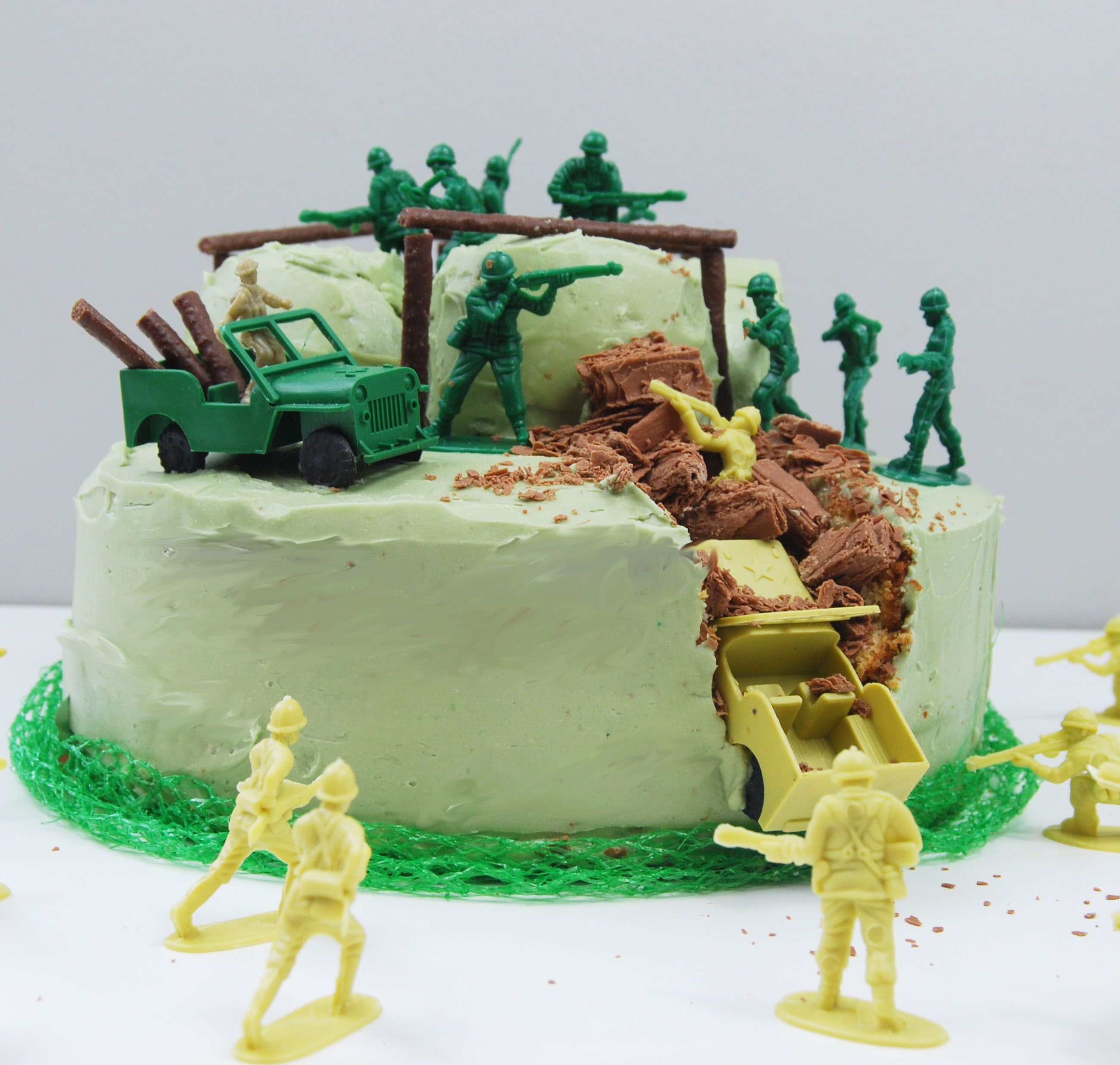 Army birthday cake CraftCrumb kits make baking birthday cakes